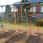 小学校中学校の不審者侵入者対策地域開放との板挟み問題|監視にも限界が・・・